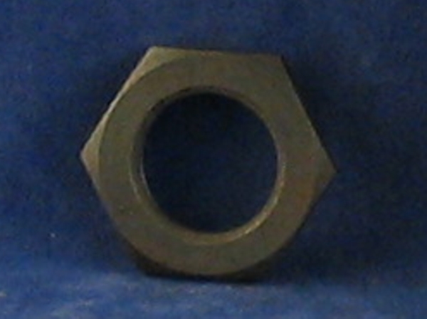 crankshaft nut, bevel side.