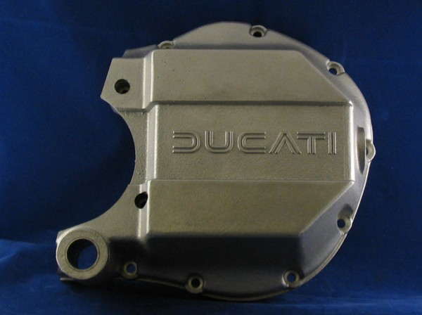 alternator cover 860/900 ( reproduction rough cast will polish)