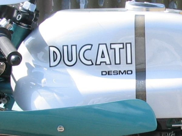 ducati + desmo, tank decal.750ss..'green frame'